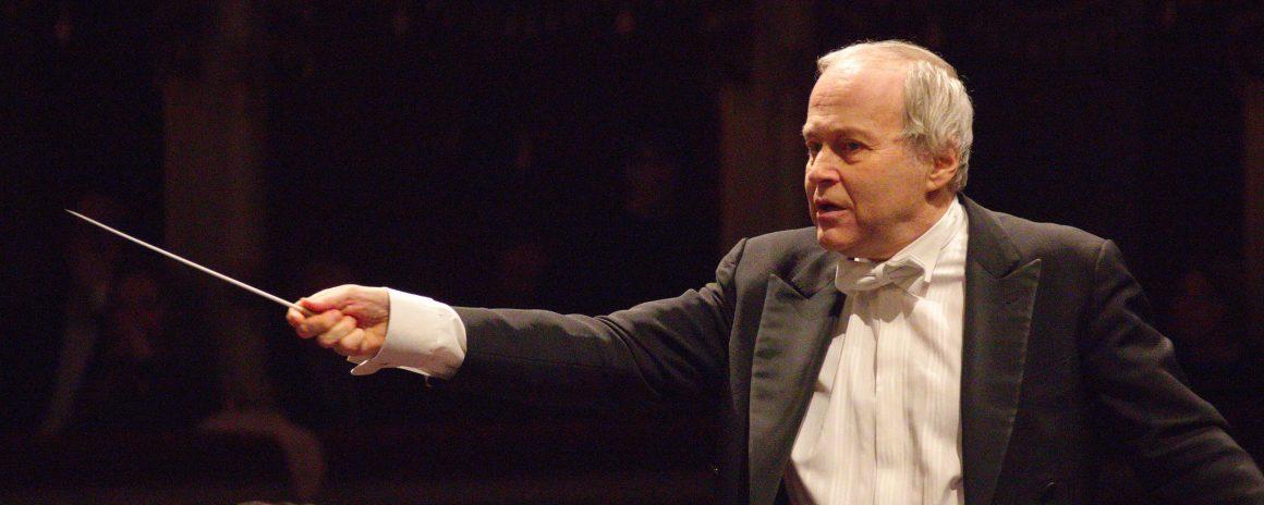 Il maestro Zubin Mehta, annulla i suoi due concerti italiani di Firenze e Palermo del dicembre 2019. A Firenze il 3 dicembre, al posto di Mehta sul podio, salirà il maestro Ádám Fischer